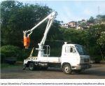 Lança elevatória com Cesto Aéreo para trabalhos em altura com e sem isolamento
