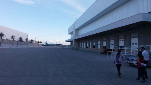 Alugo Galpão Empresarial com 10.000 m2 218037