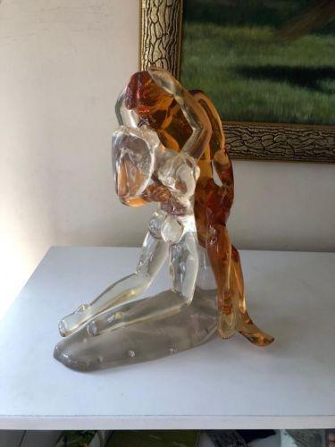 Escultura em acrílico: o Beijo 561879