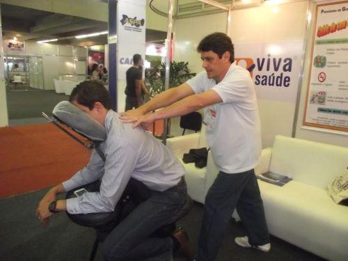 Massagem shiatso em empresas massagem quick massage em recife reflexologia em empresas equipe com 12 anos de experiencias 505541