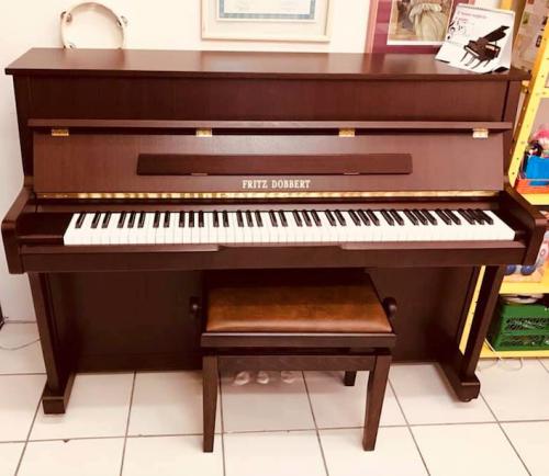 Piano Fritz Dobbert excelente qualidade 518524