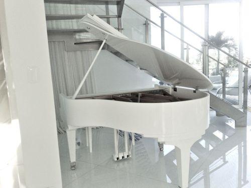 Pianos Fritz Dobbert e Kawai 343166