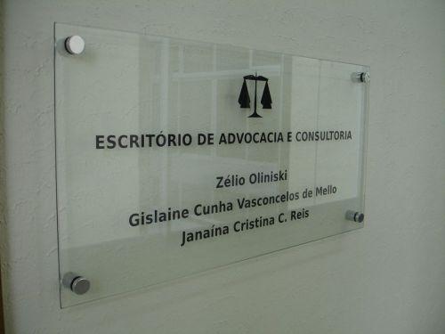 placa de vidro com adesivos recorte instalação em goiânia 363587