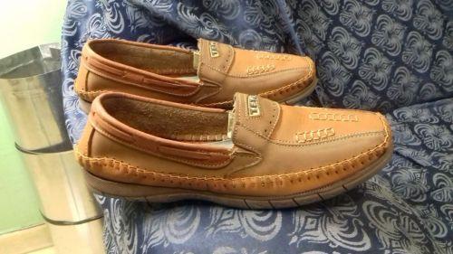 Sapato masculino tipo Mocassimmarca Texastam.42novolevecor laranja e café.conservado. 514331